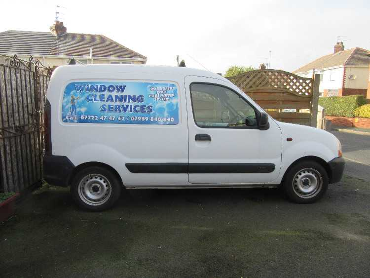 WINDOW CLEANING VANN RENALT KANGOO 1.9D