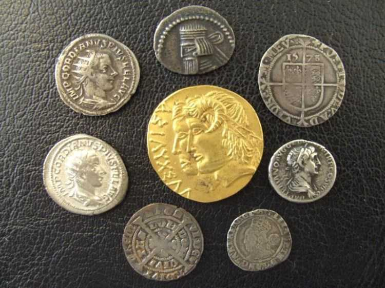 COINS & COLLECTABLES WANTED FOR CASH