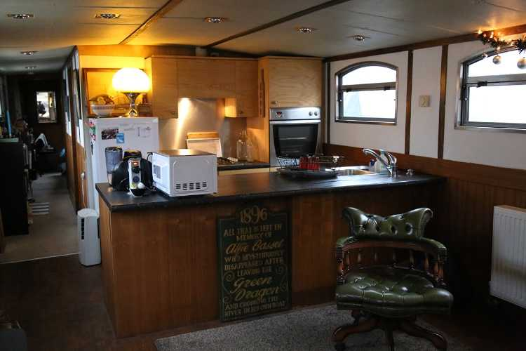 wide beam barge liveaboard boat