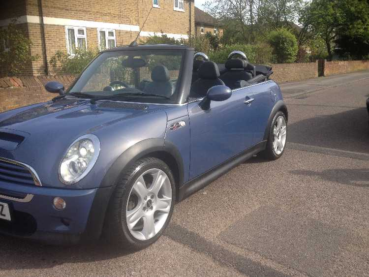 mini cooper S convertible mint condition 6 speed