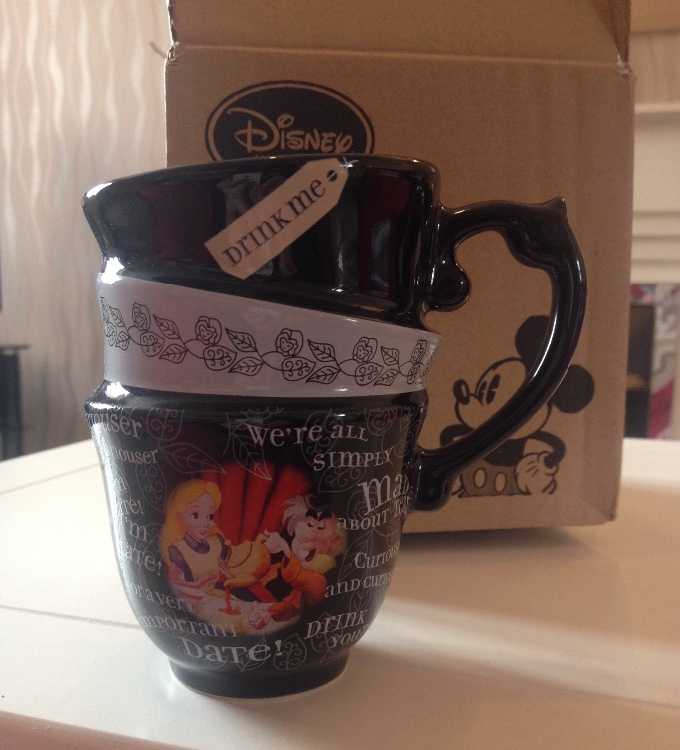 Walt Disney - Alice In Wonderland Mug