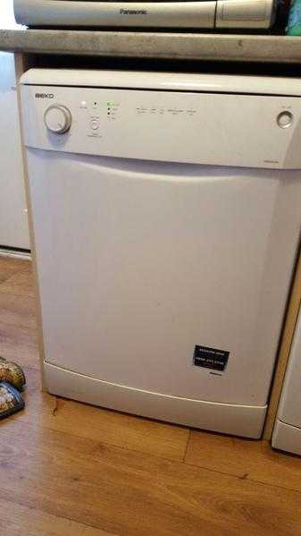 Beko dishwasher full size