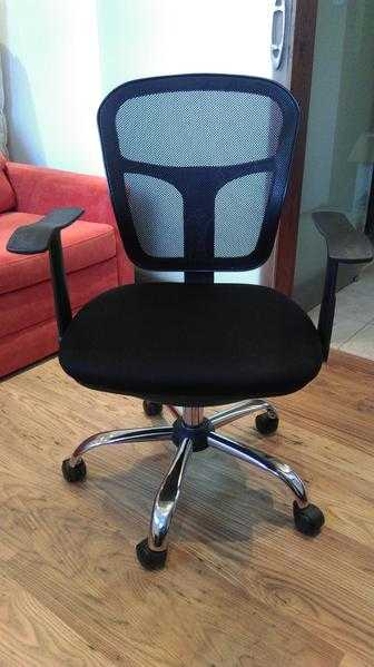 Used home Swivel Computer Chair with mesh back - c