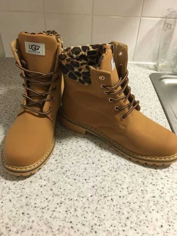*NEW IN BOX* Timberland Inspired Ugg Boots in Sand