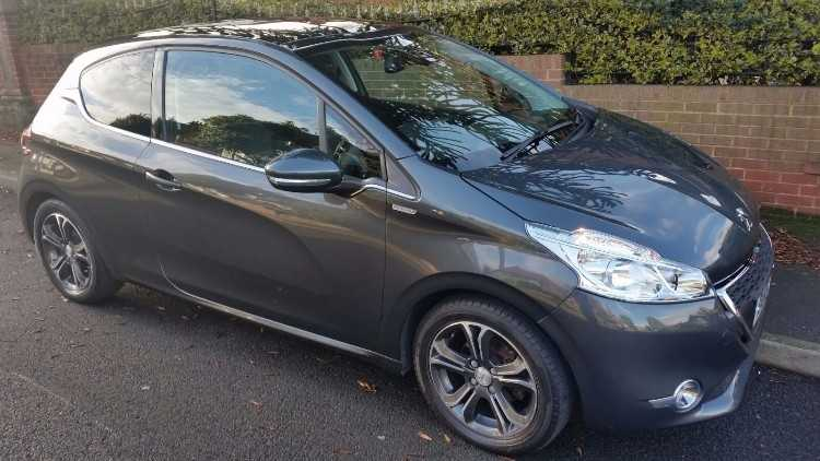 Peugeot 208 1.2 INTUITIVE