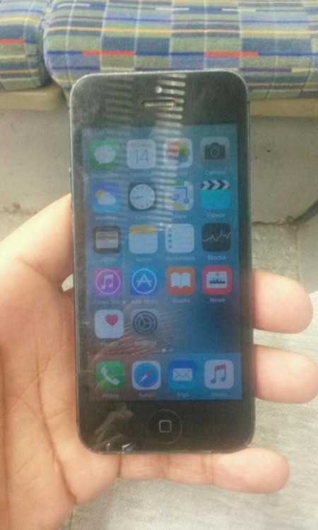 IPhone 5 unlocked 16gb no cracks no issues 100% WO