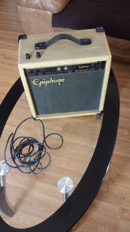 Epiphone guitar amplifier Model EP-800