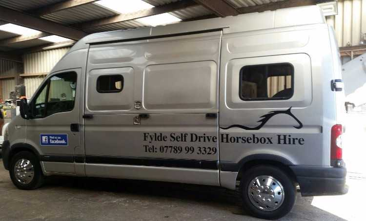 3.5 ton self drive horsebox for hire