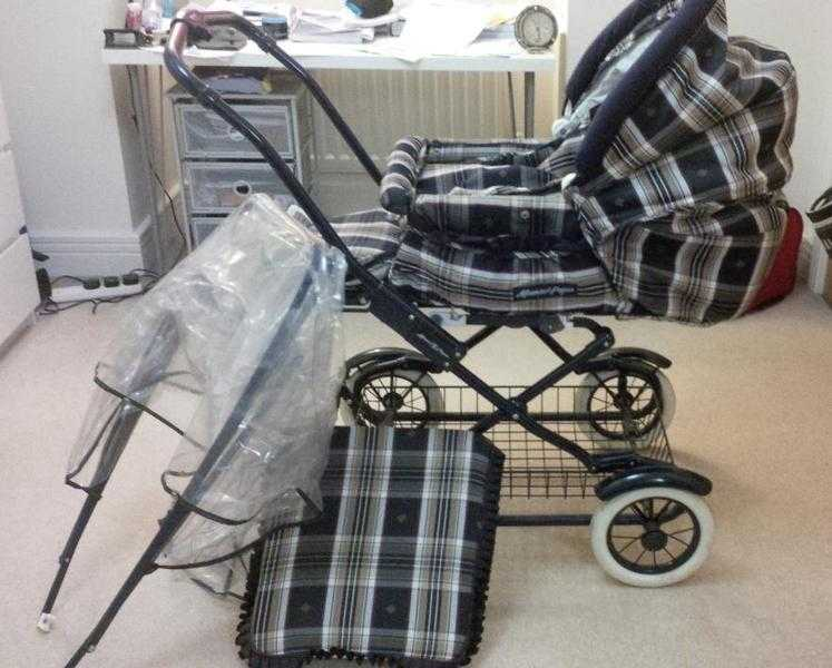 Mamas and papas traditional style vintage pram