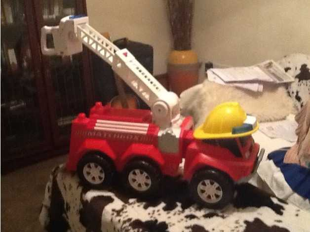 LARGE MATCHBOX FIRE ENGINE