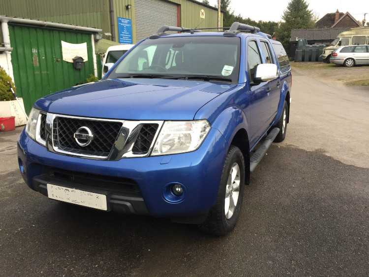 Nissan Navara Double Cab Pick Up Tekna 2.5dCi 4WD