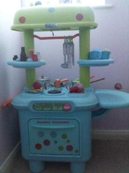 Kids kitchen/cooker/dishwasher