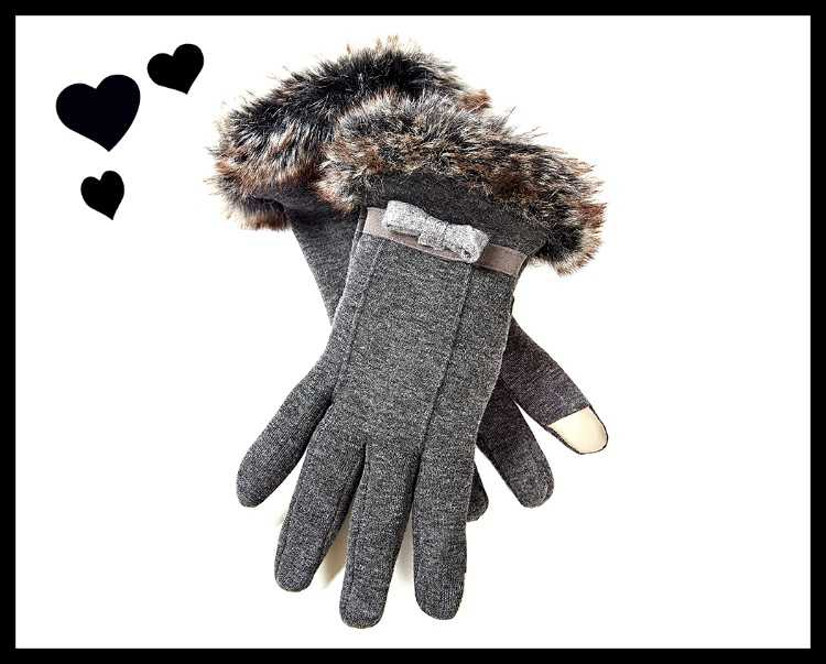 Brand new fur trimmed touchscreen gloves