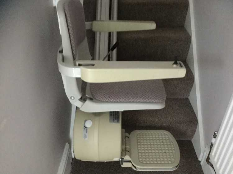 Acorn Stairlift Left Hand Supply/Fitted